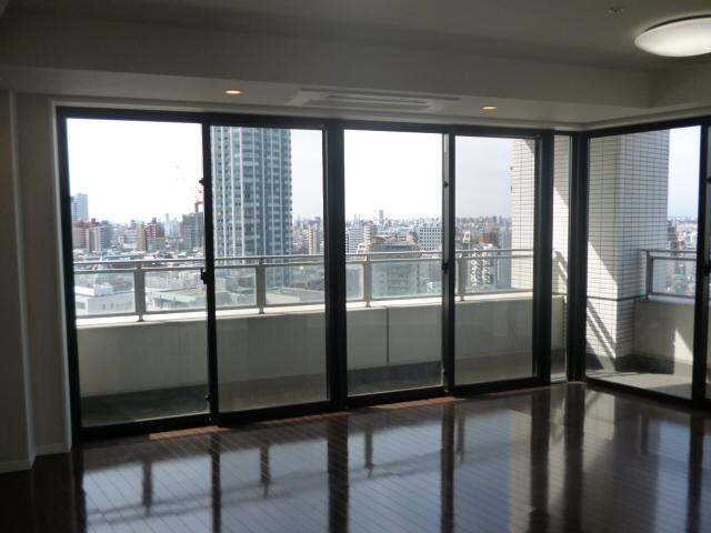 コンシェリア西新宿TOWER'S・WEST